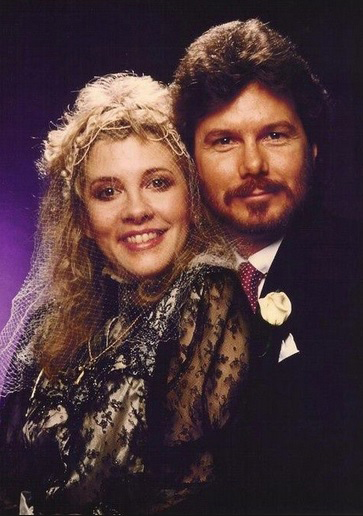 349 6 Stevie Nicks en Kim Anderson 29 januari 1983